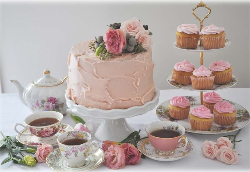 Stunning Dessert Table Decor For Vintage Themed Tea Party