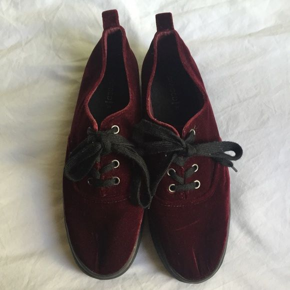 19dd37786834 Velvet platform sneakers From H M divided UK 39 I think it translates to a  U.S. 9 I m not sure but I m a size 8 and it fits about a size bigger.