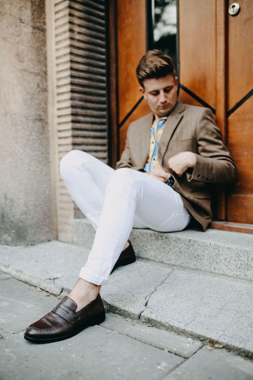 Brazowa Marynarka Dastan Koszula W Kwiaty Meski Casual Moda Meska Lato W Modzie Meskiej Biale Meskie Spodnie Grzego Loafers Men Dress Shoes Men Men Dress