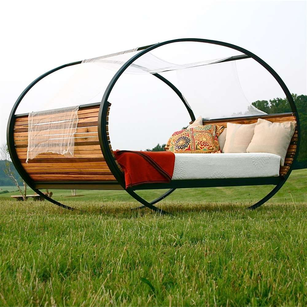 Yes It Really Is A Rocking Bed And It S King Size Mobilier De
