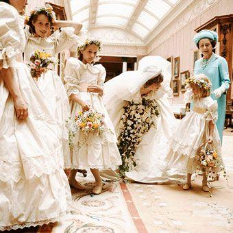 O ipostaza inedita de la nunta printesei Diana :)