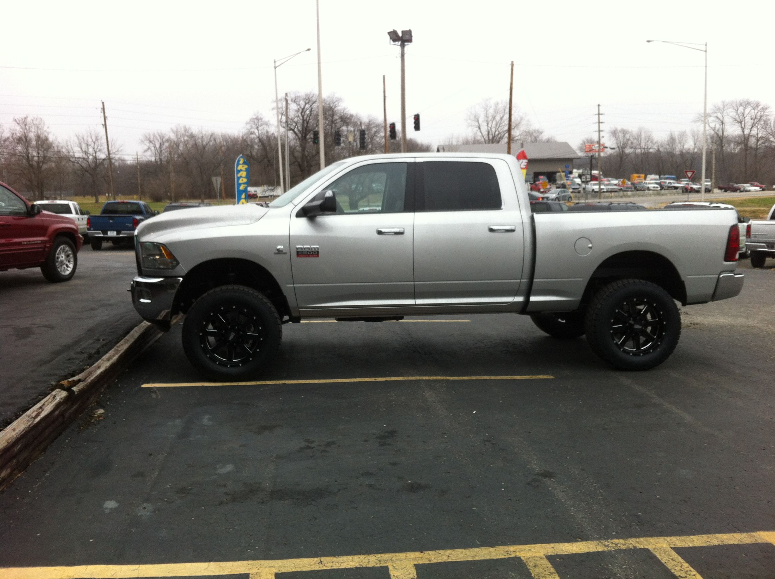 2012 ram 2500 3in rough country leveling kit new wheels and tires