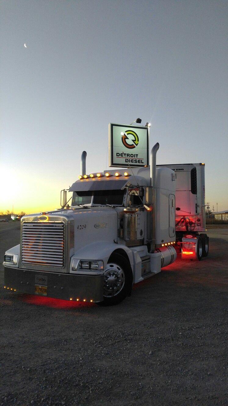 Pin by Del Ray on Peterbilt Detroit diesel, Trucks