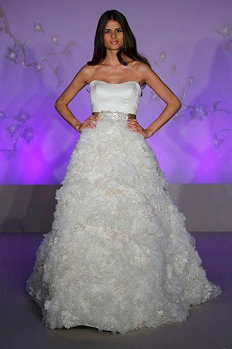 Lazaro wedding dress. | Imaginando mi boda. | Pinterest | Cintura ...