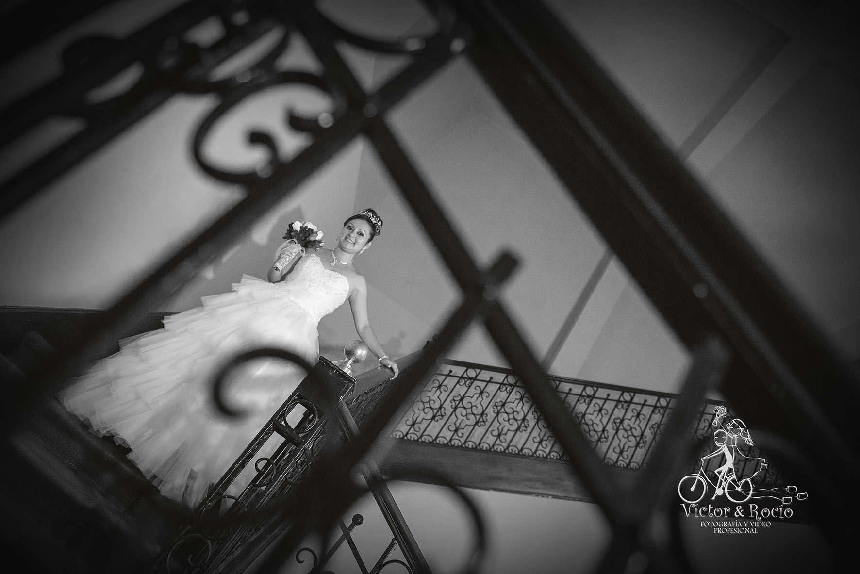 Sesión de fotos en el paseo de novios de Elvis & Kelly Fotografo: Víctor Solís Dall'Orto