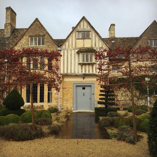 Oxfordshire Manor House looking beautiful despite the rain ...