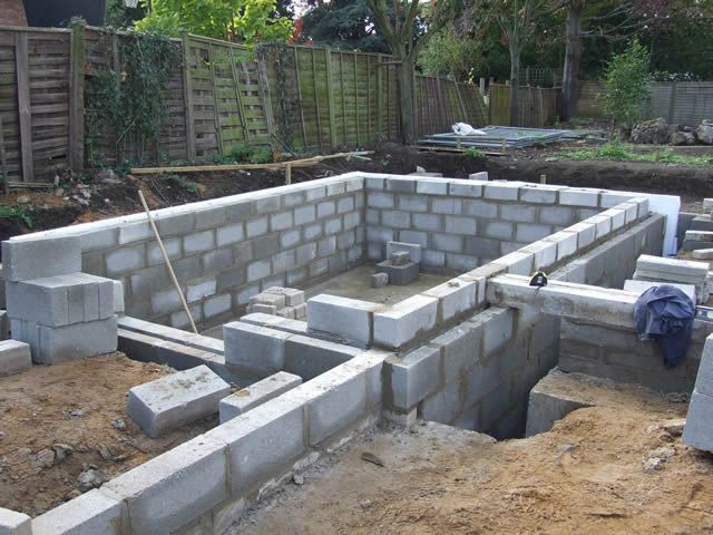 North West London Builders Offer Professional And Reliable Services Of Groundworks In North West London They Have The E West London London Property North West