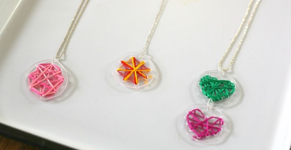 db8b47277450 Large taller infantil de bisuteria creativa con material reciclado corte  ingles alcala de henares