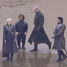 Jon Snow and Daenerys Targaryen Game of Thrones Set Pictures