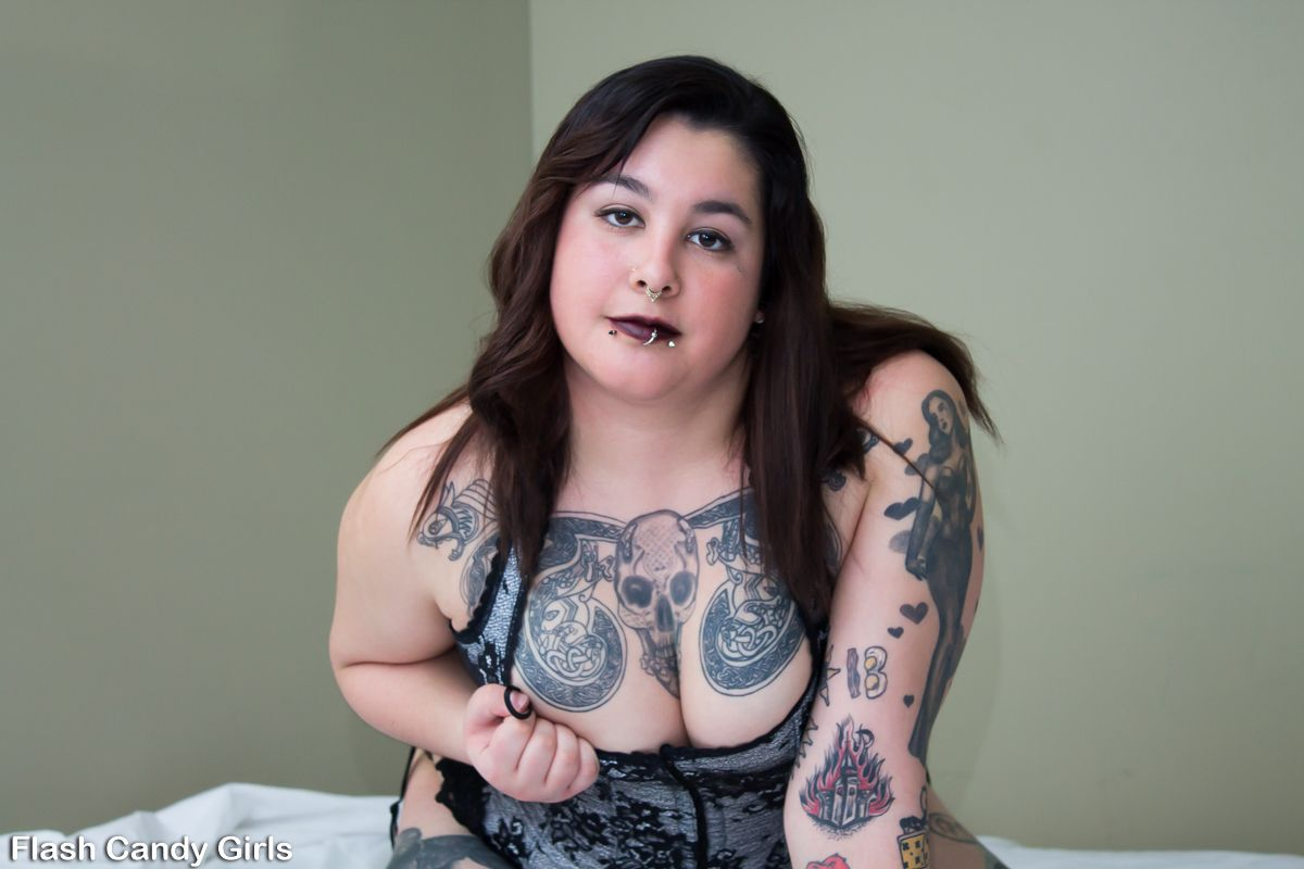 Babe big busty tit XXX