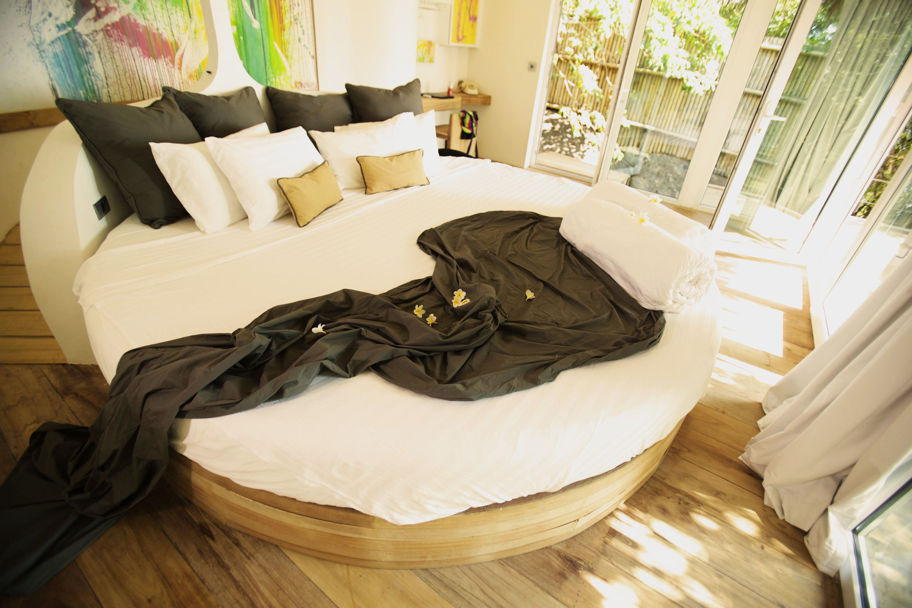 round bed, god sized bed, 2,80m round bed, huge bed, design bed ...