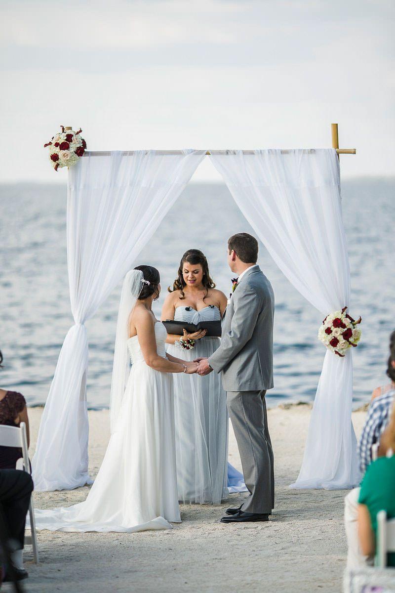 Florida Wedding Venues Top 2 Wedding Venues In Florida Keys Florida Wedding Venues Wedding Ceremony Photos Destin Florida Wedding