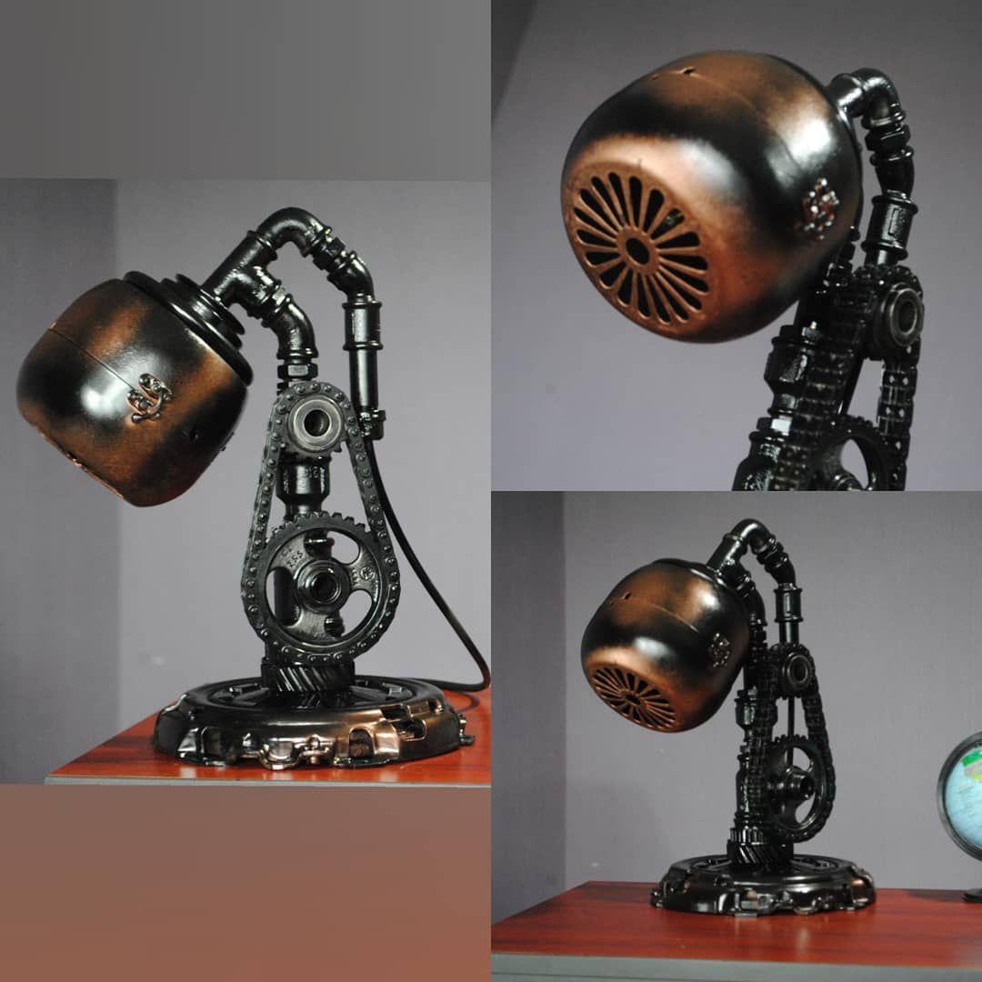 Nastolnyj Svetilnik V Stile Stimpank Standartnyj Patron E27 Stalnaya Korzina Scepleniya S Sochetaniem Fitingov Sant Steampunk Lighting Steampunk Lamp Diy Lamp