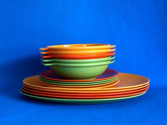 Ornamin Ware Melmac Dinner Set - Retro Barbecue BBQ Picnic Plates Bowls Platters - 15 Pieces - Orange Yellow Green - British Plastics & Ornamin Ware Melmac Dinner Set - Retro Barbecue BBQ Picnic Plates ...