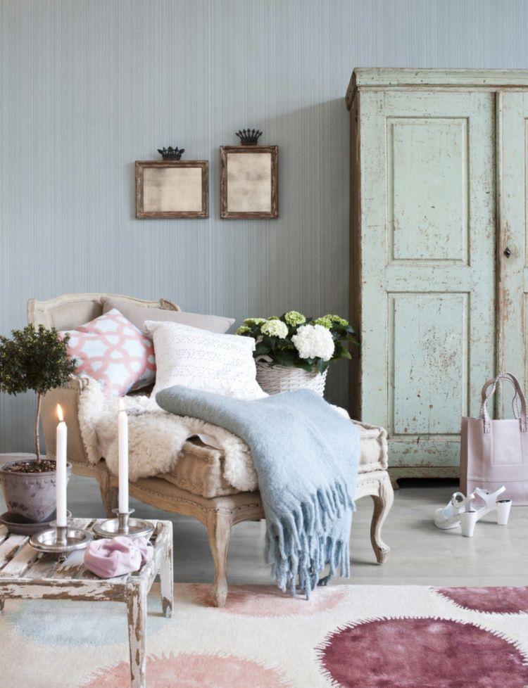 Image result for vintage sessel mit farbige stoff überzogen - moderne wandgestaltung wohnzimmer lila