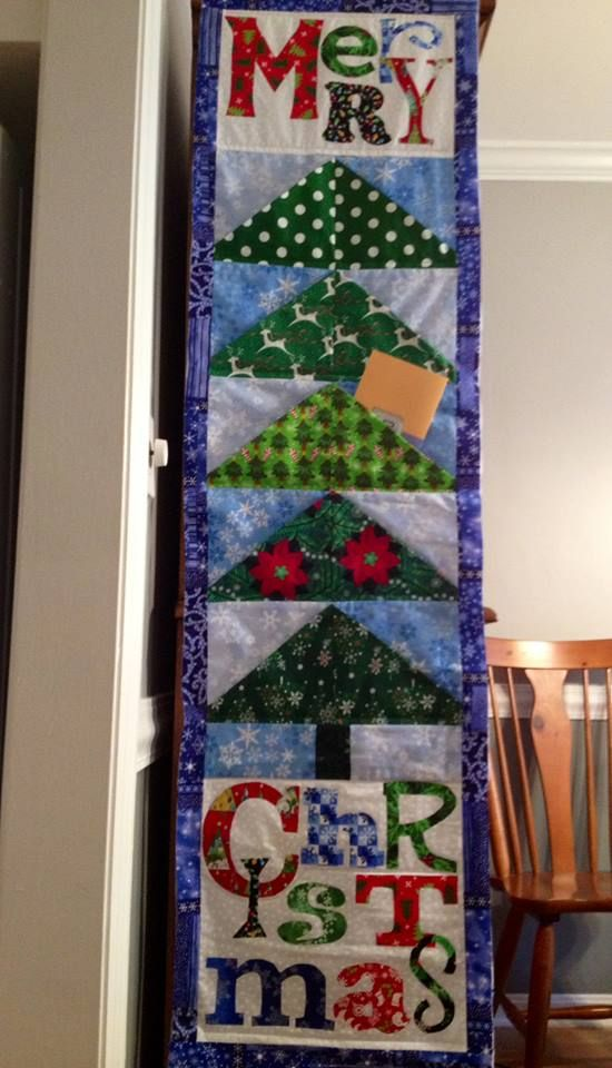 Quilted Christmas Card Holder For The Back Of Your Door Made By Tina Neathery Of Quilting In Ke Christmas Card Display Christmas Patchwork Christmas Projects