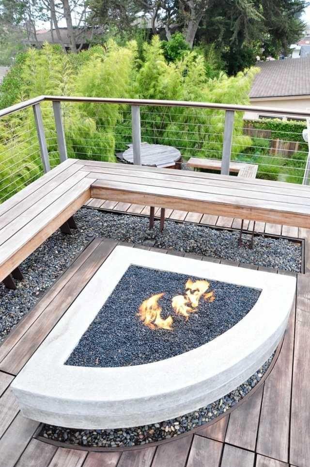 garde corps terrasse en inox avec un banc en bois