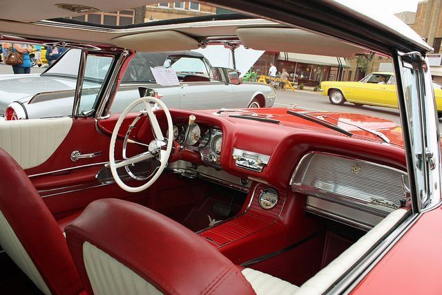 Inside a 1960 sunroof car!! *Note the vinyl seat covers are of the 1958-60 design & incorrect.