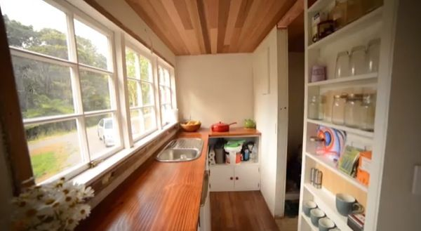 Top 10 Tiny House Kitchens 05