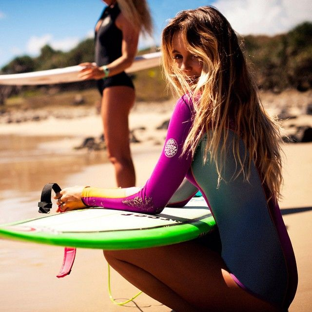 Pro Surfer Girls - Learn to Surf like a Pro #alanablanchard