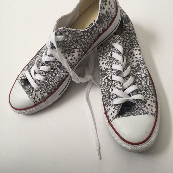 b3b18c058453 Paisley Print Converse Gorgeous black and white converse