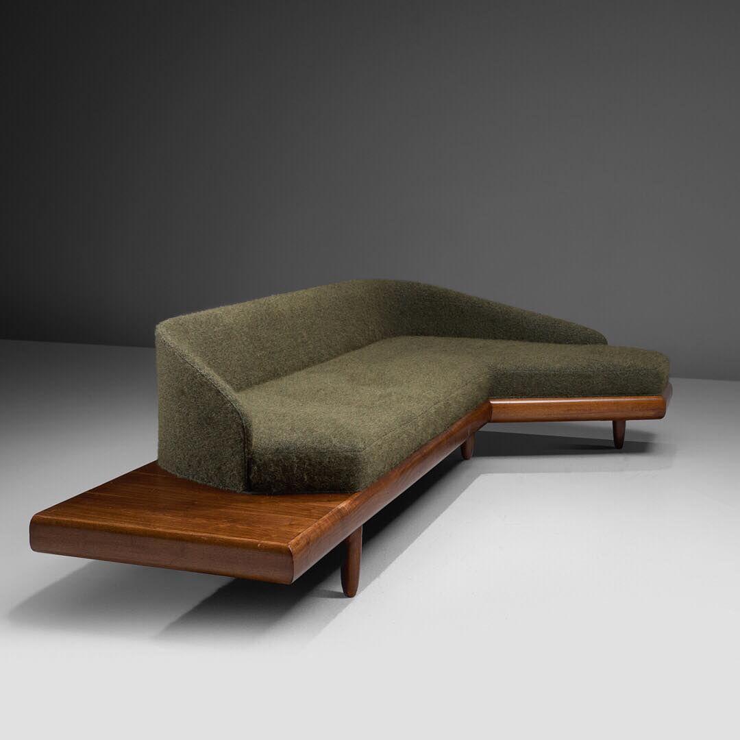 Boomerang Tv Meubel.Morentz On Instagram Adrian Pearsall Boomerang Sofa In Green