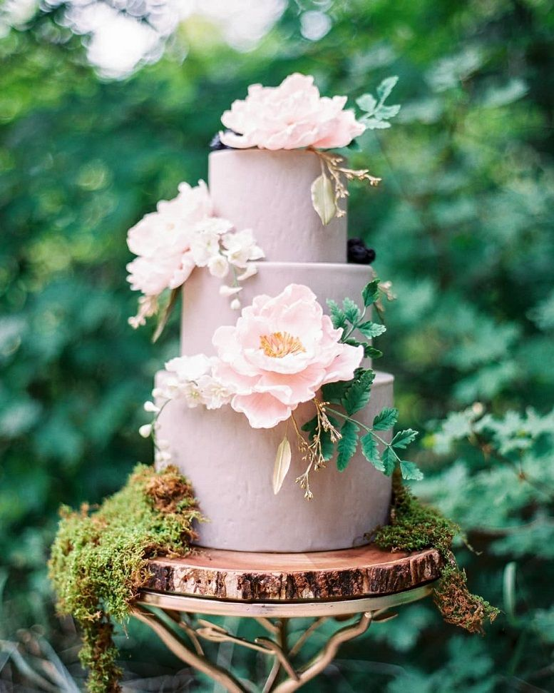 37 Eye-Catching Unique Wedding Cakes
