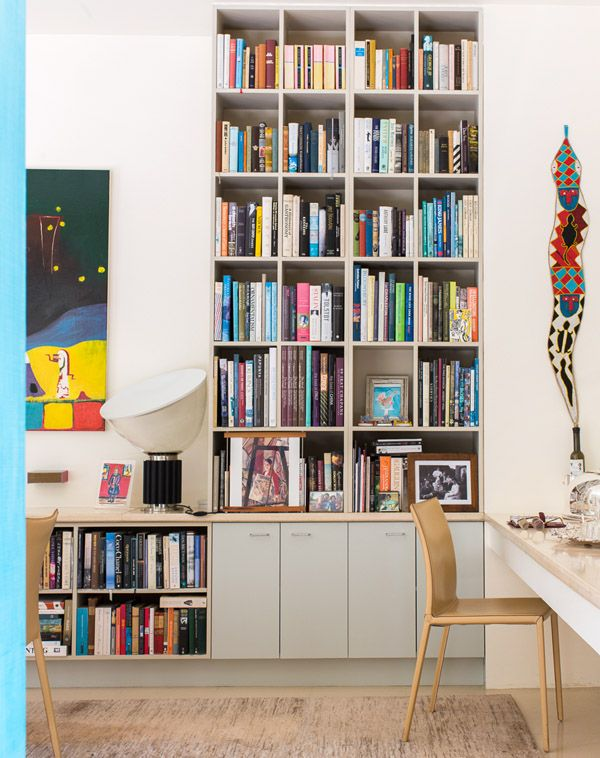 He Melbourne Home Of Interior Designer Janne Faulkner Of Nexus - Chair table and lamp with built in book storage
