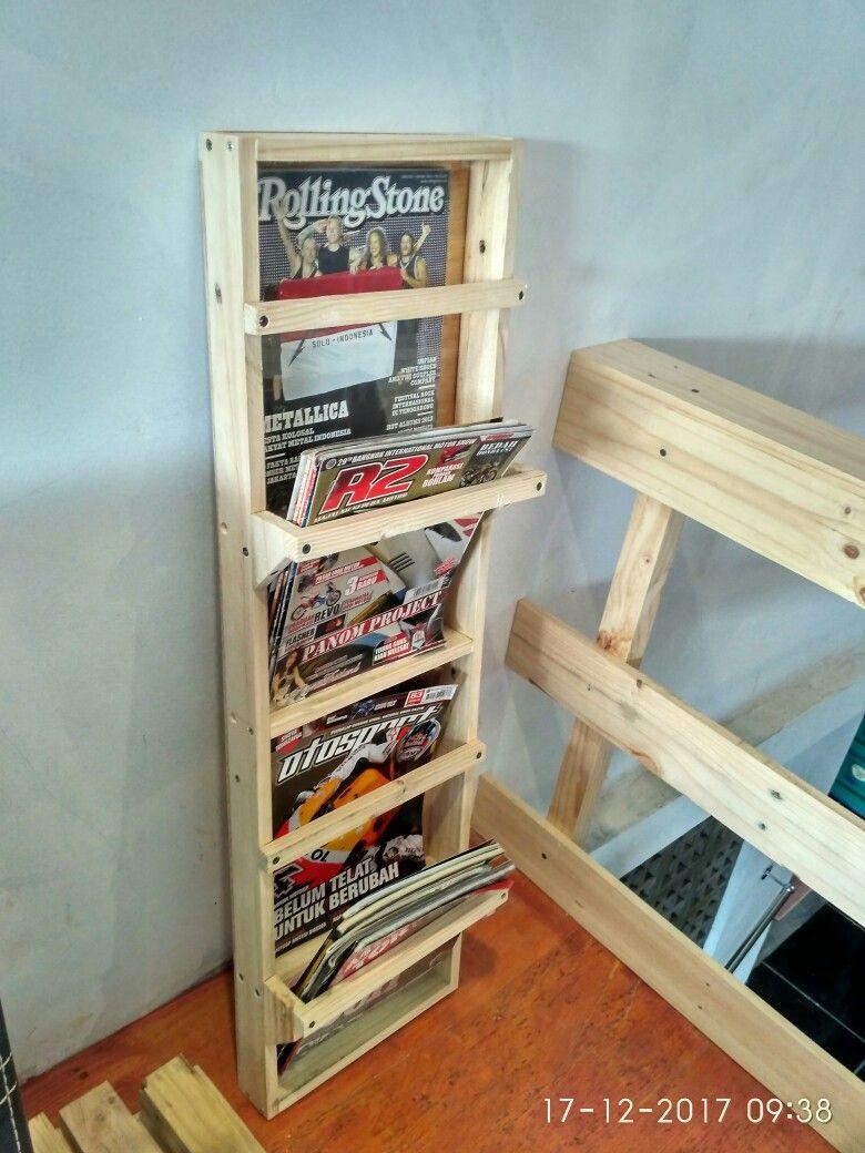 Magazine Rack From Pallet Rack Pallet Diy Magazine Magazine