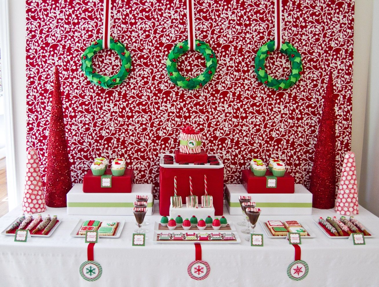 Christmas Tables Inspirations Christmas Party Table Christmas Buffet Table Christmas Buffet