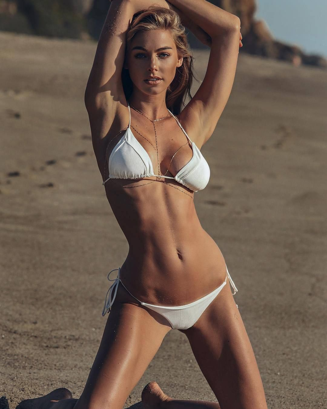 Pics Elizabeth Turner nude photos 2019