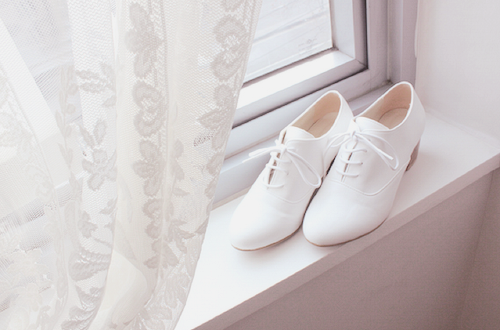 White, old fashion shoes ♡
