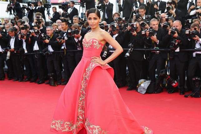 Cannes 2014 - Freida Pinto in Oscar de la Renta
