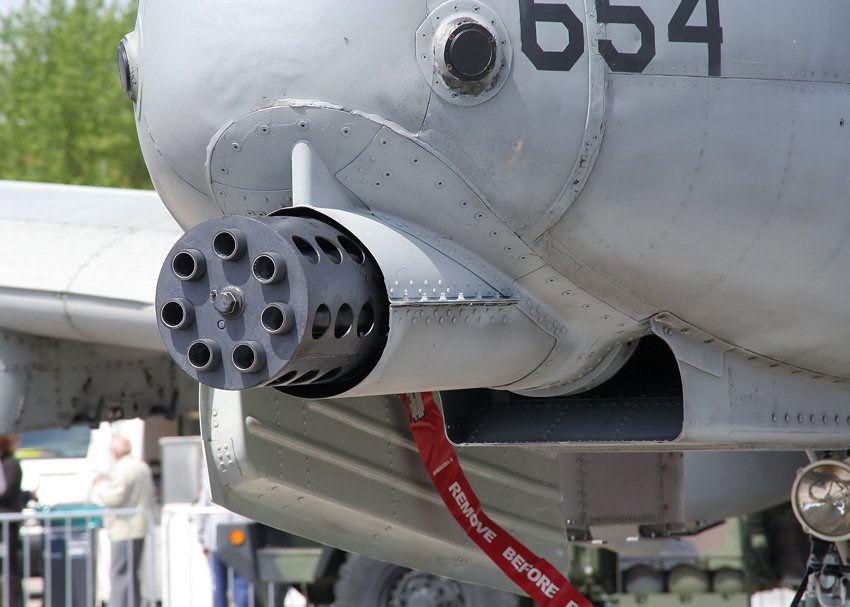 フェアチャイルドA-10  -  MG戦闘機
