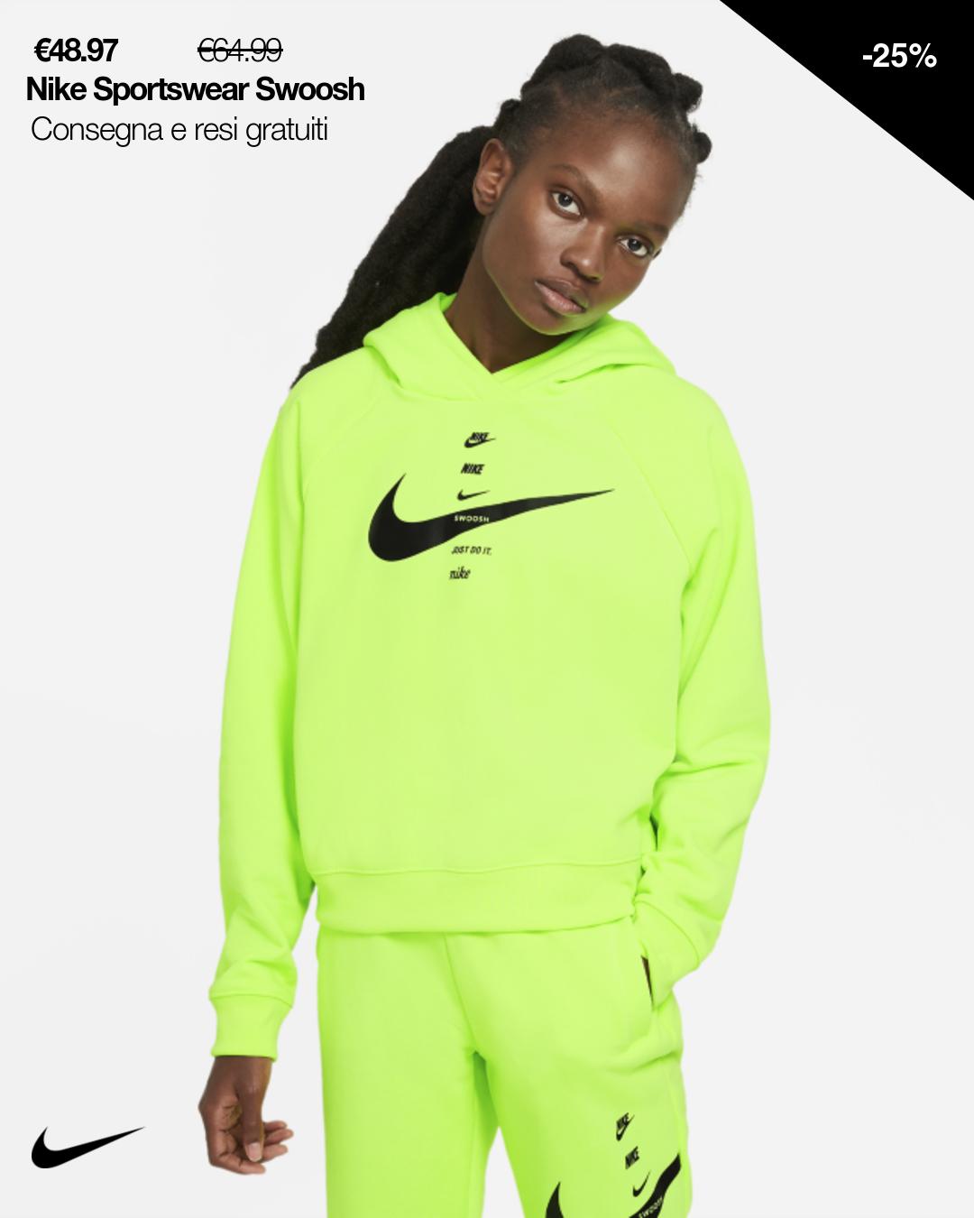 Realizzata in spesso fleece con rovescio spazzolato, la felpa con cappuccio Nike Sportswear sfoggia sgargianti colori al neon su una selezione di colorazioni e offre una sensazione di massima morbidezza ideale per tutti i giorni. Amore per le sneakers Grafica a totem stampata, ispirata ai loghi impilati sulle scatole da scarpe Nike, per mostrare tutto il tuo amore per lo stile sneaker. Comfort totale Il cappuccio a 3 pannelli offre una copertura rapida e confortevole durante la corsa.