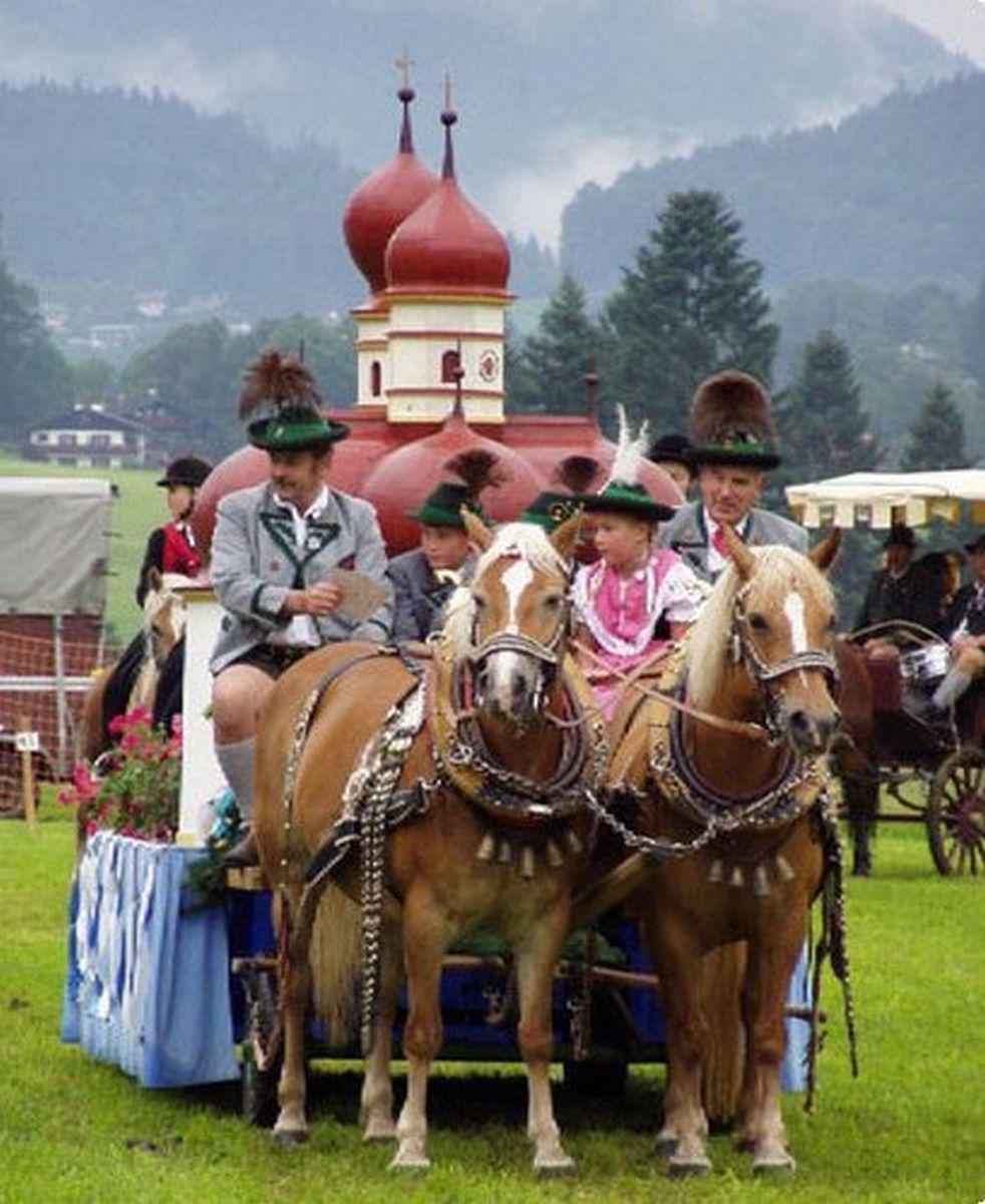 Schonau Am Konigssee St Bartholoma Kirche Berchtesgaden De Pferdekutsche Bayern Pferdekutsche Freistaat