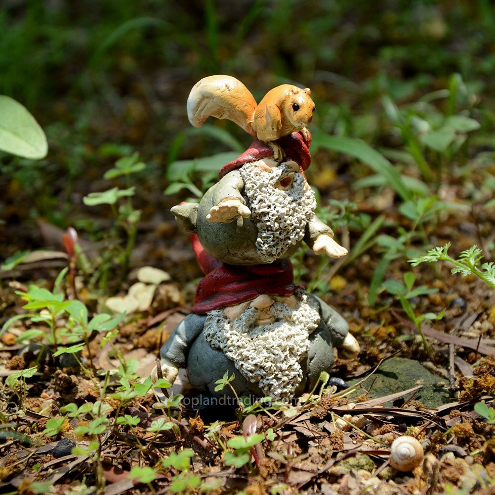 GARDEN GNOMES STACKING WITH SQUIRREL - Miniature Expressions | 2017 ...