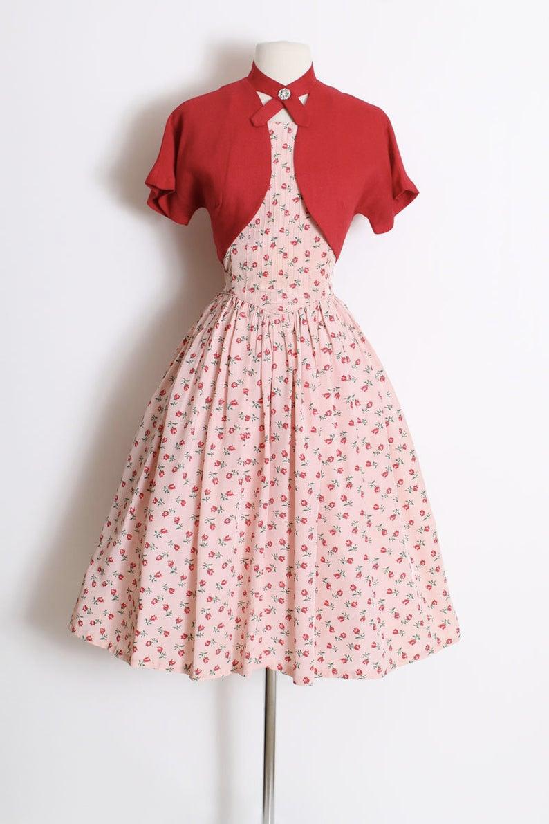 Vintage 1950s 50s Dress Pink Rosebud Print Dress With Bolero Jacket Medium Med M Vintage Dresses 50s Pink Dress Casual Vintage Outfits Classy [ 1191 x 794 Pixel ]