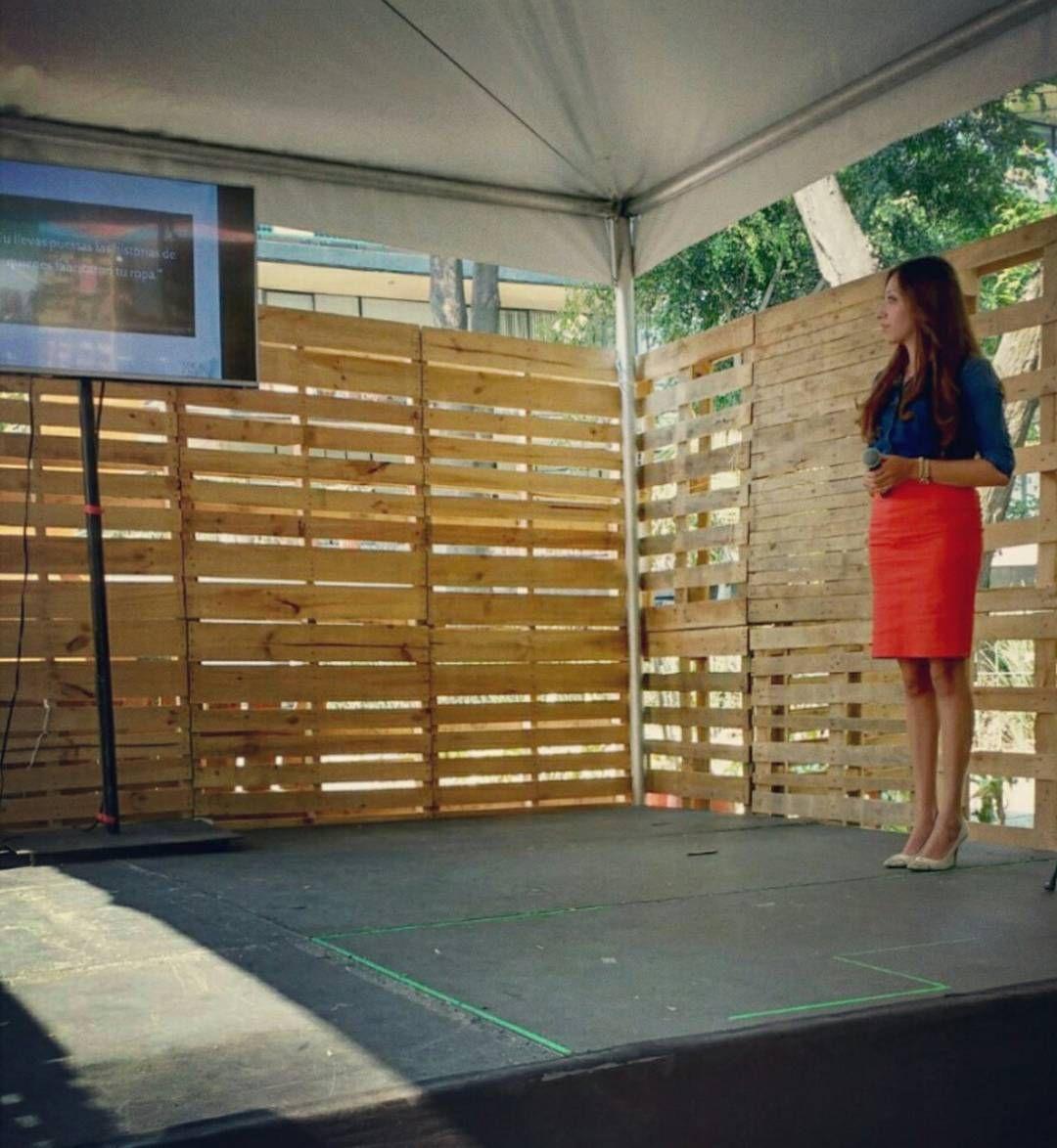 Iniciando Conferencia 'Ética ambiental en Moda y Boda' que impartimos Green Weddings Mexico y @ethicalfashionspace el día de ayer en el Marco de EcoFest 2016. Fotografía: Magdiel Díaz  At the begging of the Conference 'Ethics