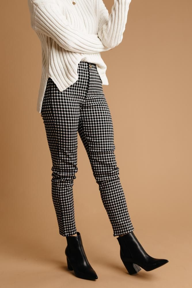 Hip Hugging Cropped Gingham Pants – böhme #businesscasualoutfits