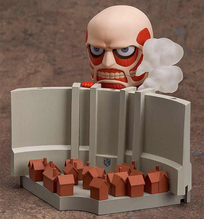 Nendoroid Colossal Titan & Attack on Titan Playset