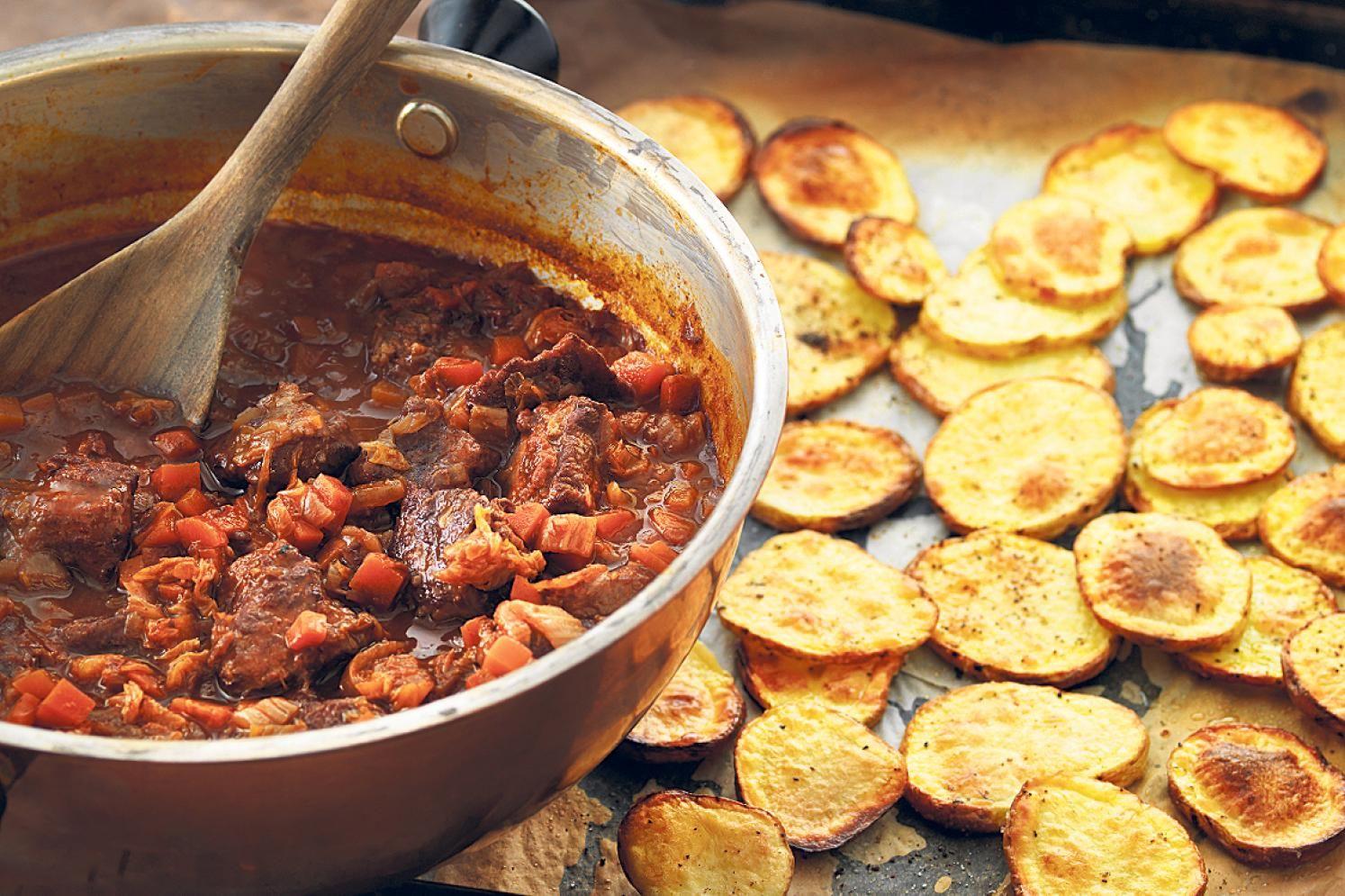 Probieren Sie Rindsragout mit Knusper-Kartoffeln oder weitere leckere Rezepte von Coop aus der Kategorie Suppen und Eintopf