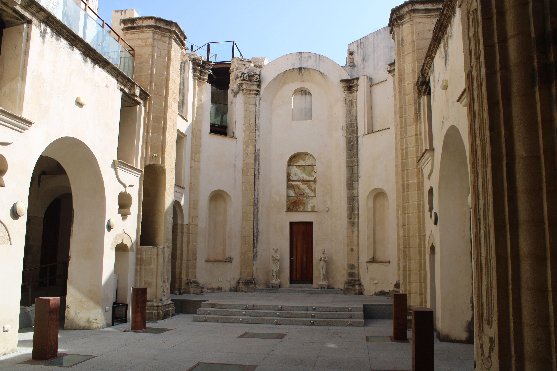iglesia inacabada del Hospital de la Divina Providencia, en El Puerto de Santa María, altar mayor del templo