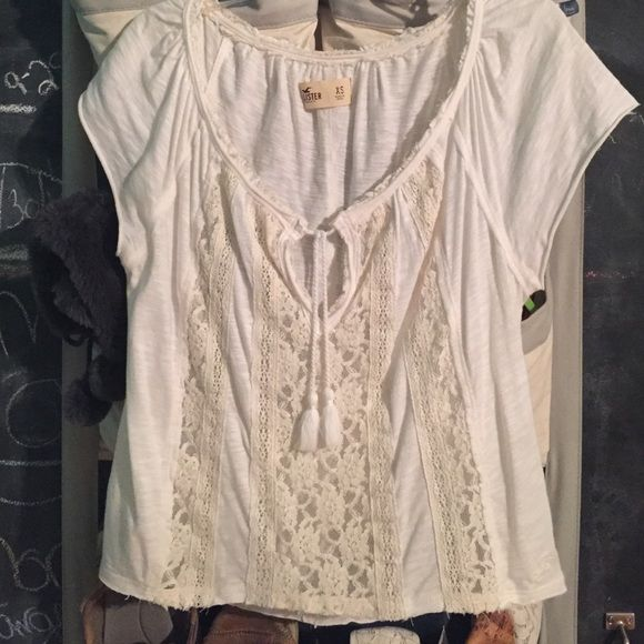Boho style shirt Only worn a couple times. Good condition! Middle is see through lace. Hollister Tops Blouses