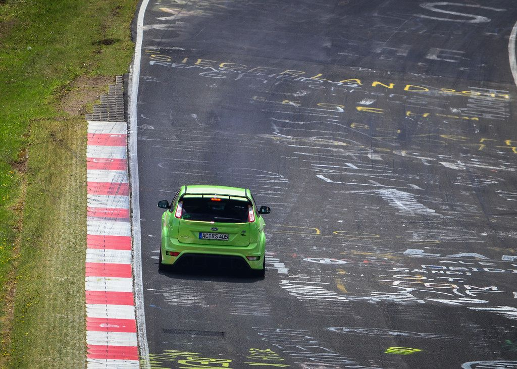 Green Ultimate Green Ford Focus Rs On Nurburgring Track