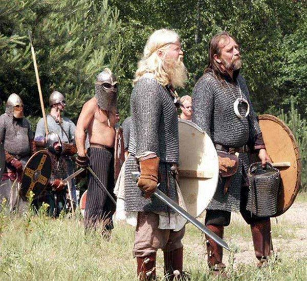 """Renactors with long hair and beards, the way it should be, and NOT like all those imbeciles with their """"Ragnar"""", 21th century football hooligan style!!!"""