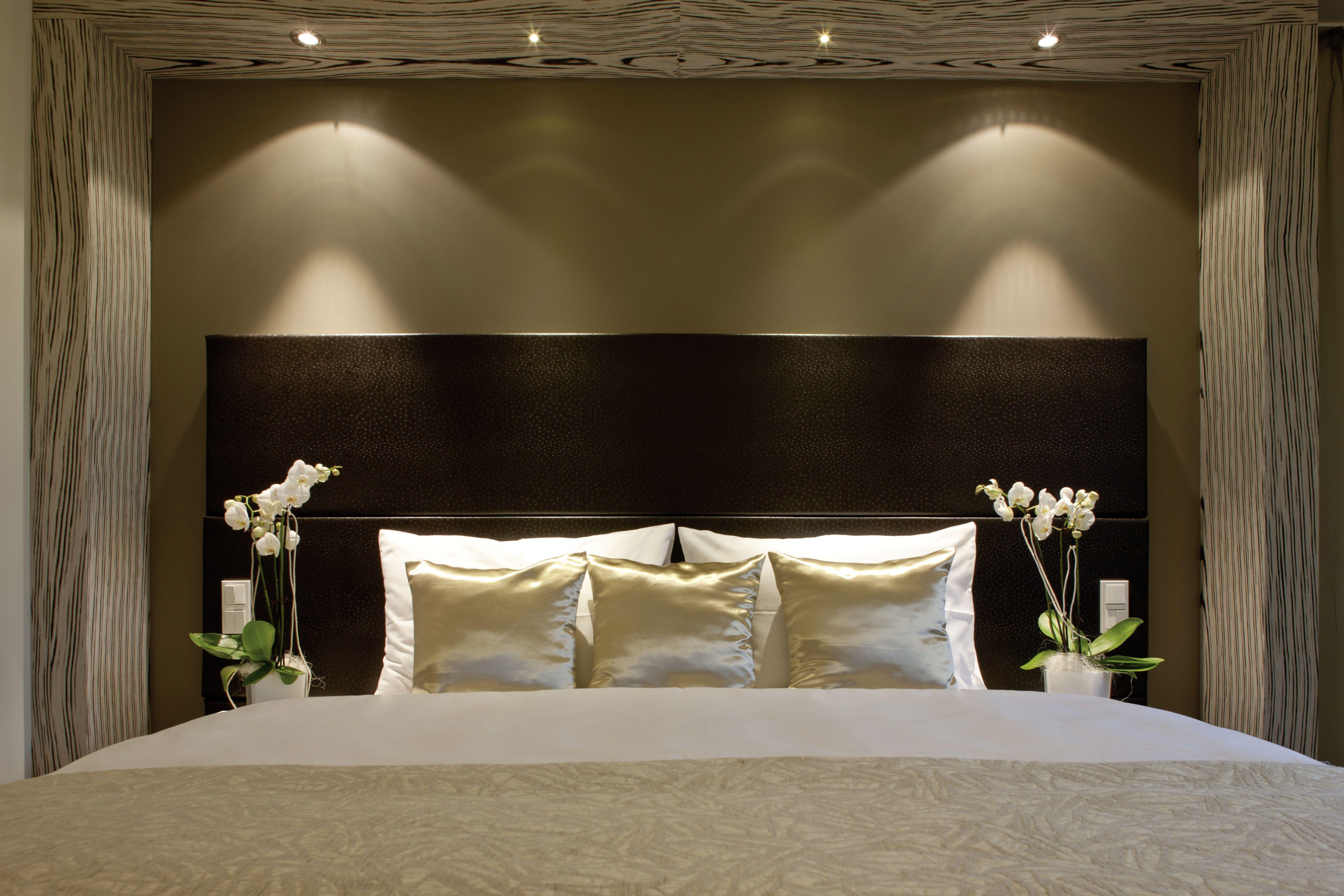 Bedroom Lighting Design  Home lighting design, Bedroom lighting