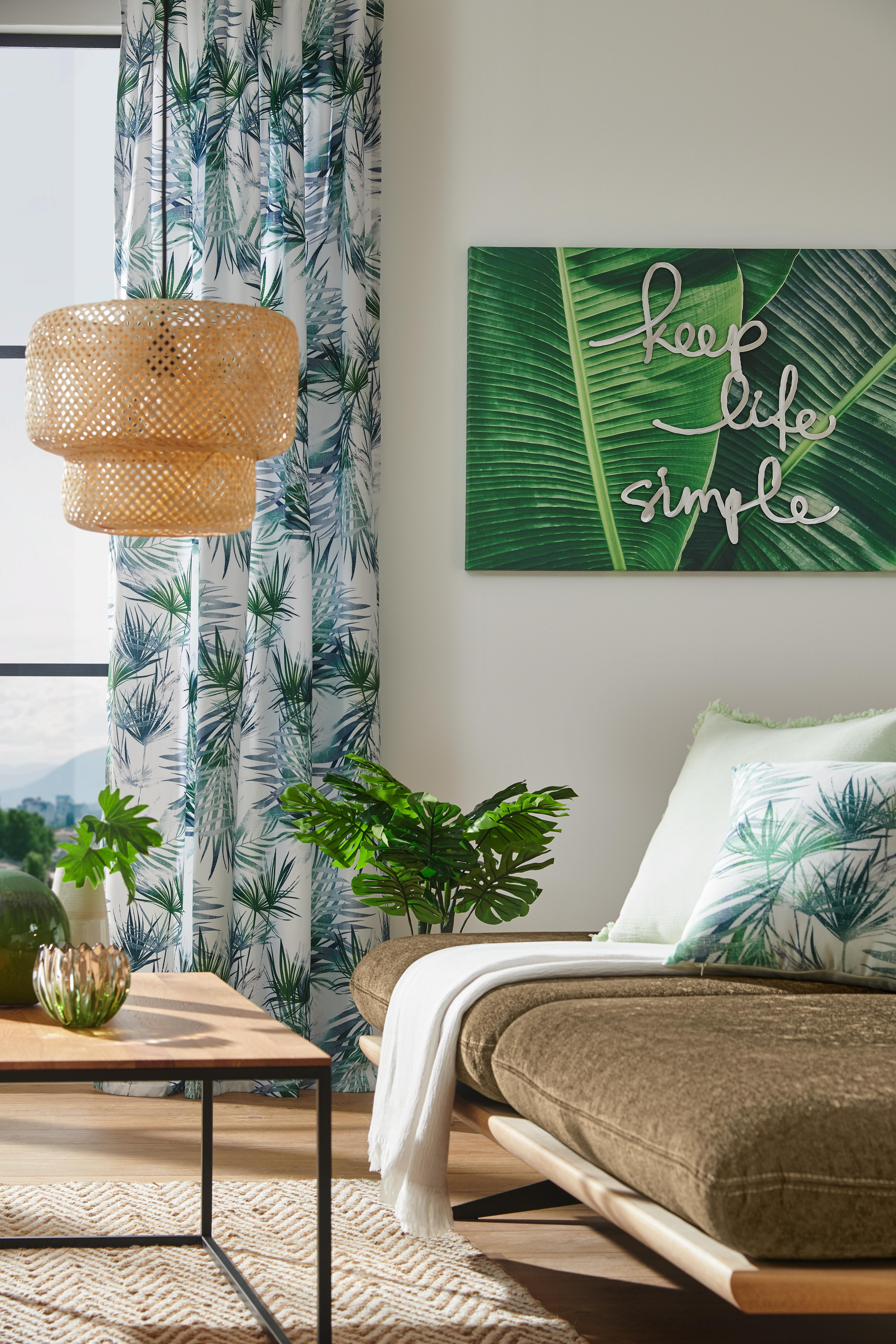 Green Living Wohnzimmer mit Deko im grünen Tropen Look ...