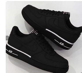 5fe66edb942 Tênis Nike Air preto com linhas discretas brancas