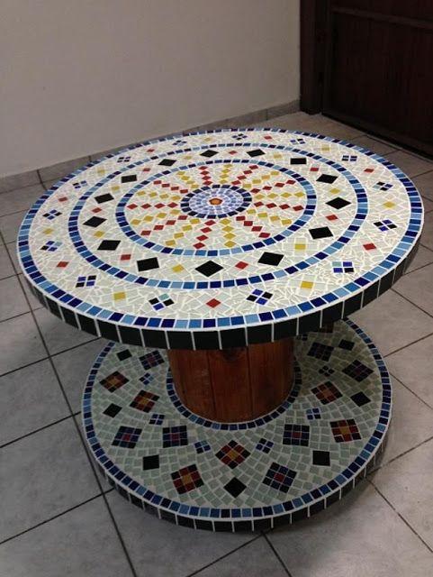 Reciclar Reutilizar Y Reducir Mesas De Bobinas De Cable Acabadas Con Mosaicos Mosaicos Cubiertas De Mesa En Mosaico Mesas De Cola De Madera